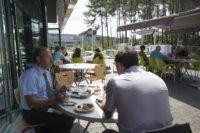 Terrasse du restaurant Éole à Tarnos